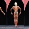 """Валкирията Никол Уилкинс овърша бойното поле за 4-та титла """"Мис Фигура Олимпия"""" (Видео)"""