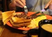 Богатата на протеини закуска е най-добрата стратегия за поддържане на стройна фигура