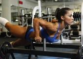 Секси ръце и плосък корем по рецепта на бразилската фитнес икона Андрея Брейзиър