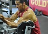 Тренировка за мощно напомпване на бицепсите и трицепсите