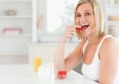 Охлаждащите храни, които помагат на тялото да се справи по естествен път с летните горещини