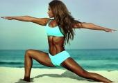 Фитнес богинята Дженифър Никол Лий и нейната 45-минутна рутина