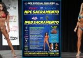 Аманда Латона и Тана Юбенкс кръстосват извивки за титлата на 2013 Sacramento Pro Bikini
