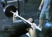Хвърлете ръкавицата на тялото си с кросфит-програмата Лини (Видео)