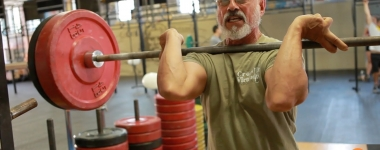 """""""Бурята на Хасинто"""" – Ще се справите ли с тренировката на най-възрастния кросфитър в света? (Видео)"""