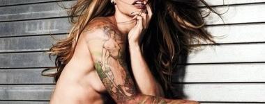Крисмъс Абът – най-красивата (и татуирана) крофит мацка на планетата