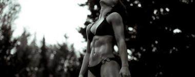 Извайте до съвършенство горната част на вашето тяло с помощта на метода Табата