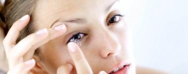 Неправилното съхранение на контактните лещи крие опасност от развитието на амеба, която изяжда очите