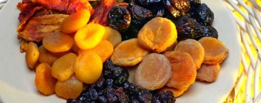 """Сушените плодове """"ремонтират"""" ефикасно различни болежки по нашето тяло"""