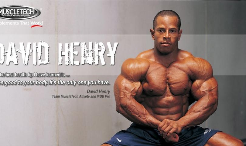 Дейвид Хенри –понастоящем единственият професионален спортист, който едновременно с това е и действащ сержант във Военновъздушните сили на САЩ