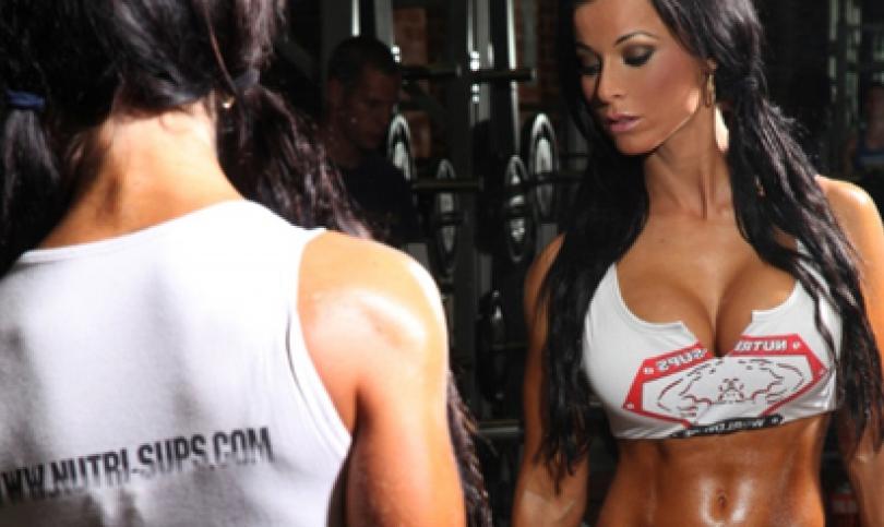 Кристина Халкиопулос – атлетичната гъркиня от кавказки произход, която покори IRONMAN, FHM и Playboy