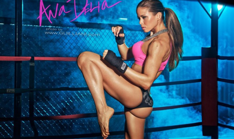 Ах, Ана Делиа – красота, сексапил, чар и фитнес съвършенство на квадрат