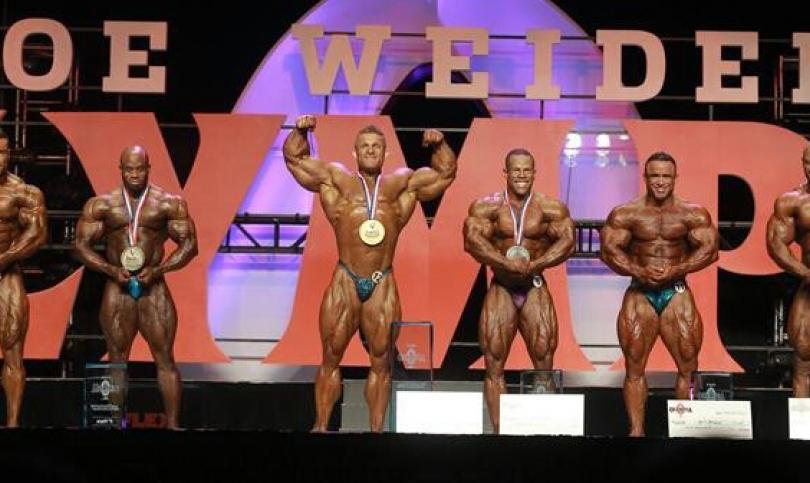 Флекс Люис спечели 2013 Olympia 212 Showdown в люта битка с Дейвид Хенри (Видео)