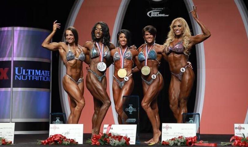 Блестящата Дейна Лин Бейли над всички в дебютната 2013 Women's Physique Olympia Showdown (Видео)